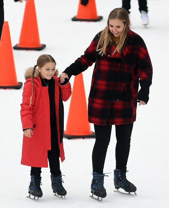 Harper-Beckham-skating-rink-feb-2018-01