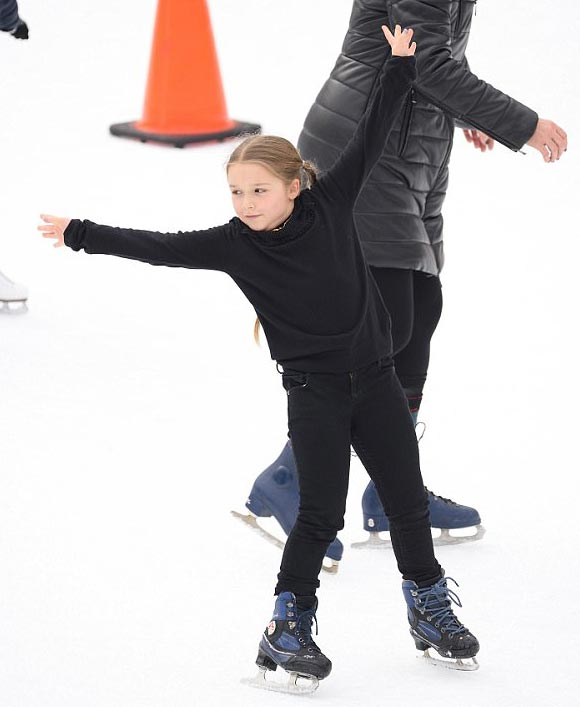Harper-Beckham-skating-rink-feb-2018-02