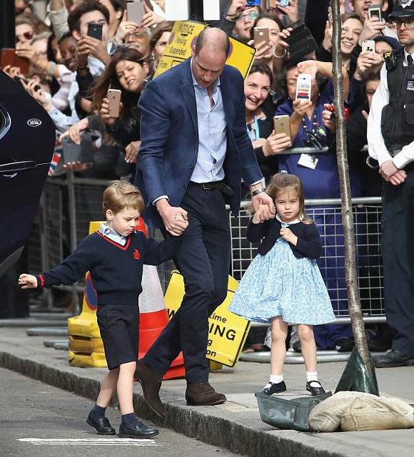 prince-george-princess-charlotte-new-baby-brother-photos-2018-01