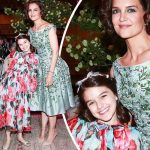 トム・クルーズの娘スリちゃん、ガラパーティで満面の笑み!