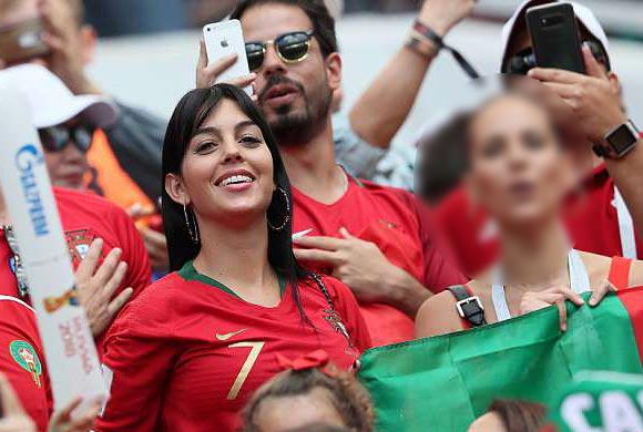 Cristiano-Ronaldo-girlfriend-Georgina-Rodriguez-worldcup-2018-01