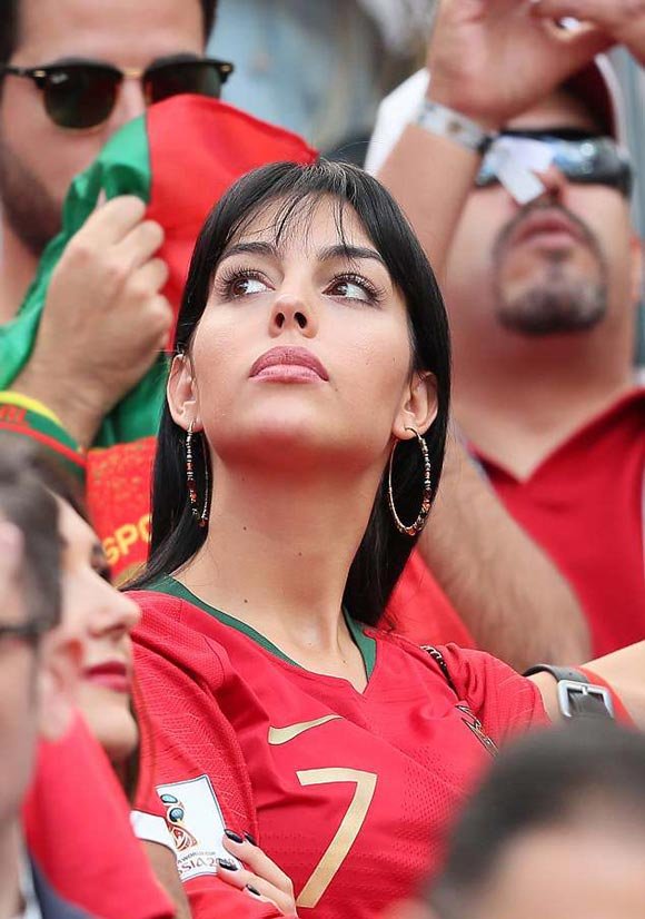 Cristiano-Ronaldo-girlfriend-Georgina-Rodriguez-worldcup-2018-02