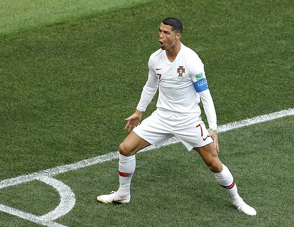 Cristiano-Ronaldo-girlfriend-Georgina-Rodriguez-worldcup-2018-05