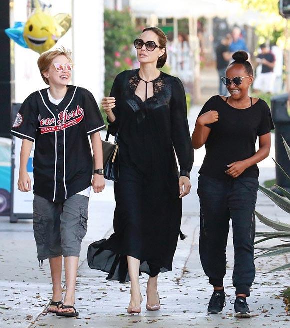 Angelina-Jolie-Shiloh-zahara-aug-2018-01