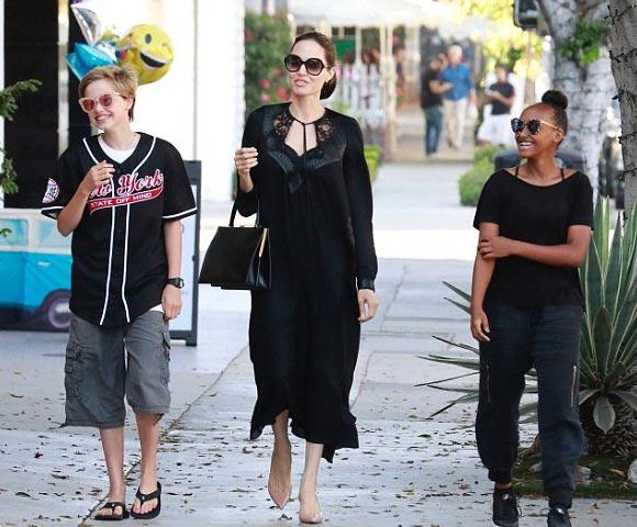 Angelina-Jolie-Shiloh-zahara-aug-2018