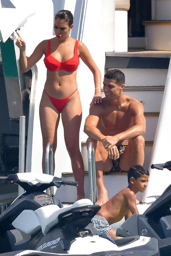 Cristiano-Ronaldo-son-Ronaldo-Jr-Georgina-Rodriguez-sep-2018-04