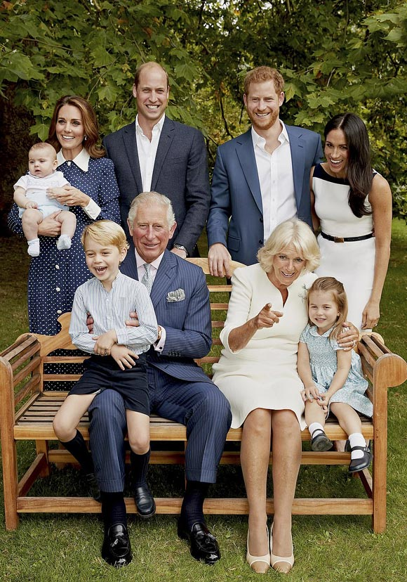 Prince-Charles-70th-birthday-family-photo-2018-02