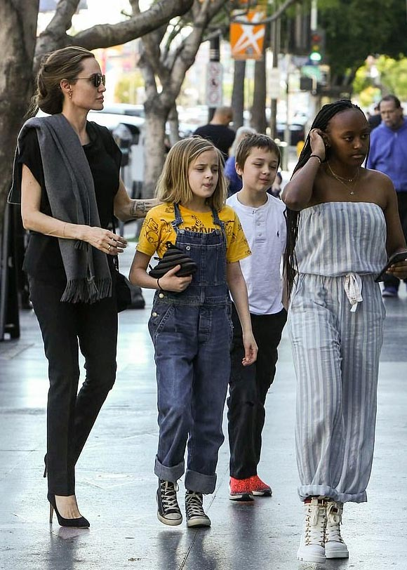Angelina-Jolie-children-jan-27-2019-01