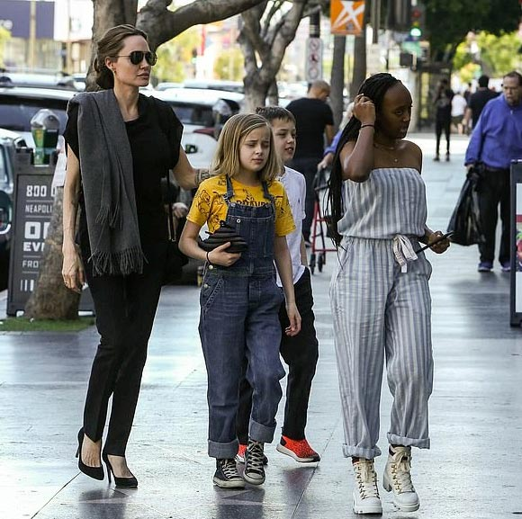 Angelina-Jolie-children-jan-27-2019-04