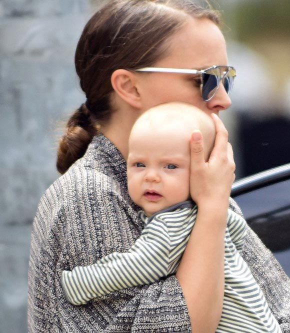 Natalie-Portman-daughter-Amalia-jan-2019-03