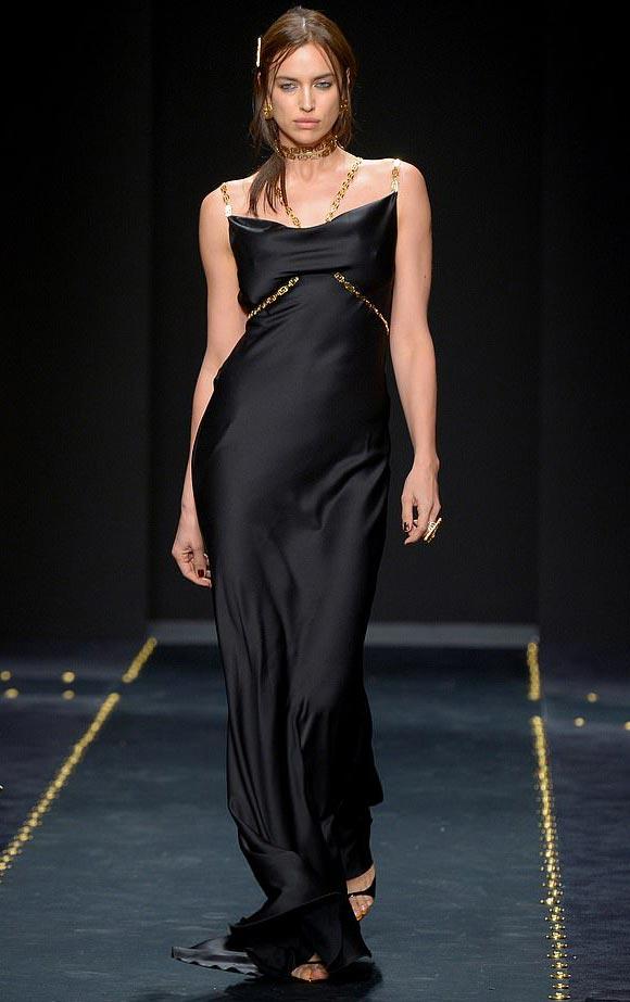 Irina-Shayk-Versace-milan-feb-2019