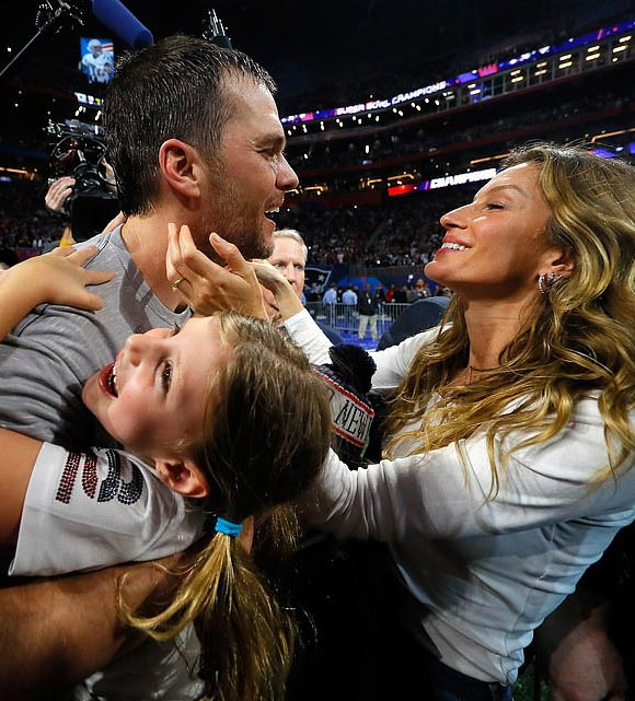 Tom-Brady-Gisele-children-Super-Bowl-2019-02