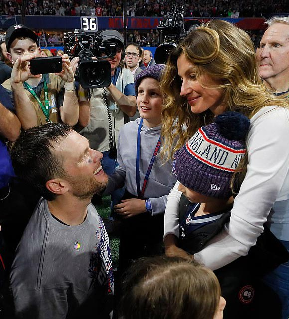 Tom-Brady-Gisele-children-Super-Bowl-2019-05