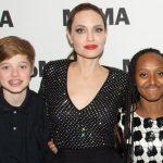 アンジェリーナ・ジョリー、笑顔で子供たちと映画祭に出席!