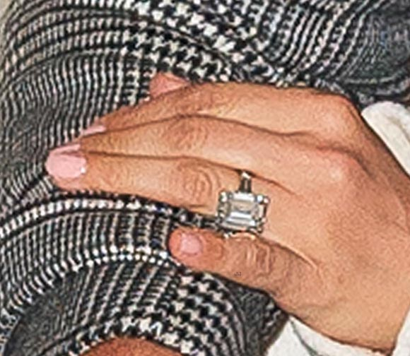 jennifer-lopez-engagement-ring-alex-rodriguez-mar-17-2019-04
