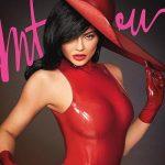 21歳億万長者のカイリー・ジェンナー、真っ赤な水着姿で圧巻ボディを披露!