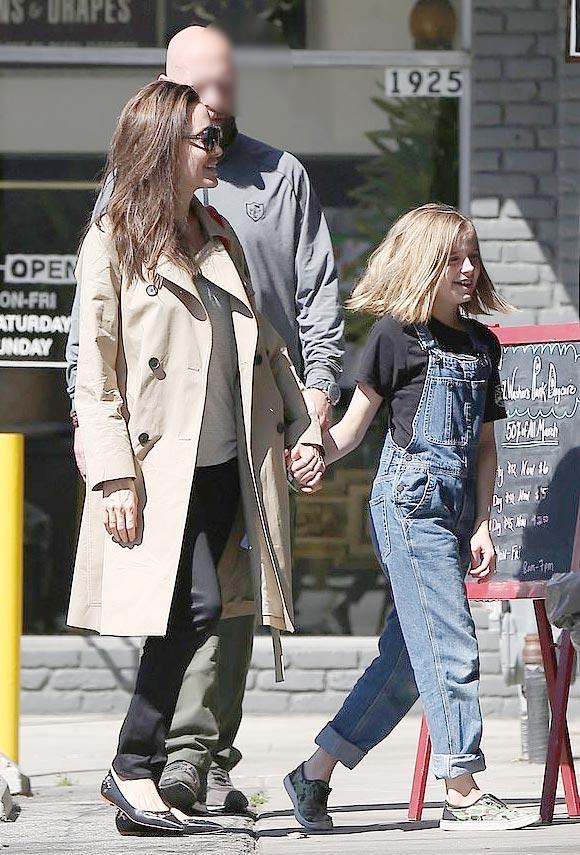Angelina-Jolie-daughter-Vivienne-mar-31-2019-01