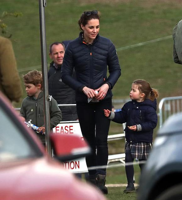 Prince-George-Princess-Charlotte-april-2019-02