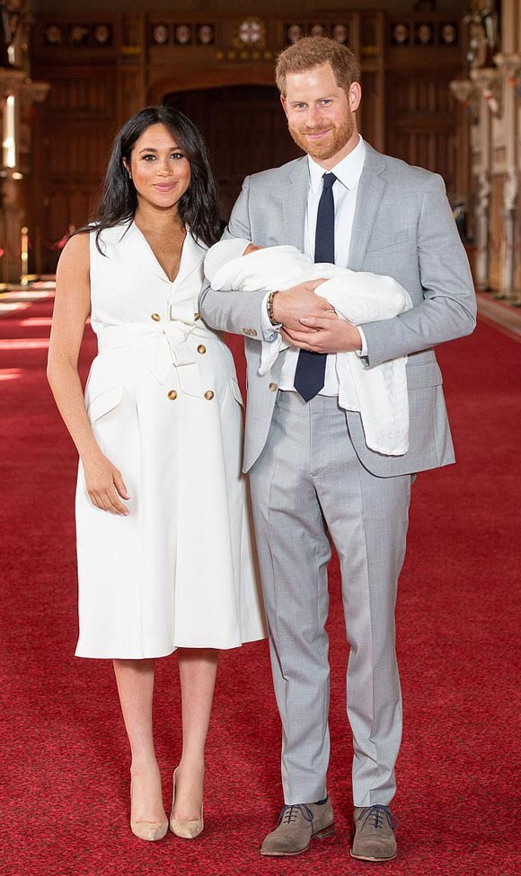 Meghan-Prince-Harry-Debut-Royal-Baby-may-2019-05