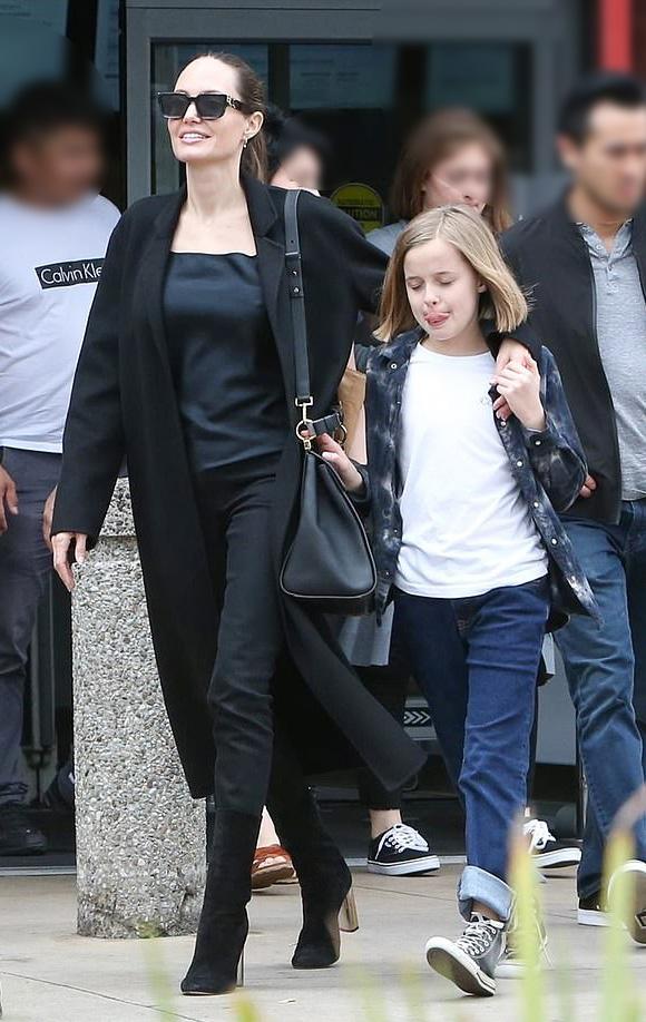 Angelina-Jolie-children-june-2019-03
