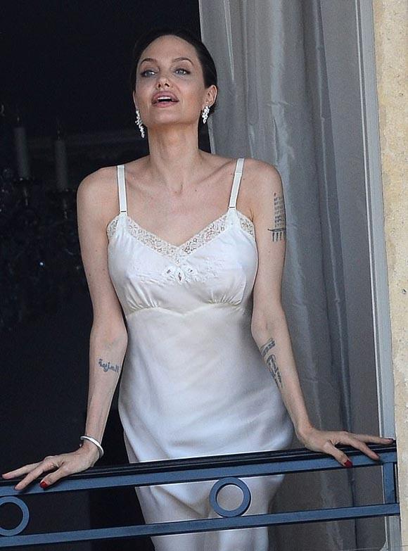 Angelina-Jolie-perfume-Guerlain-ad-2019-02