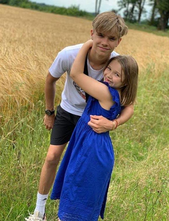 Harper-beckham-8th-birthday-2019-03