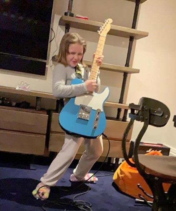 Harper-beckham-8th-birthday-2019-05
