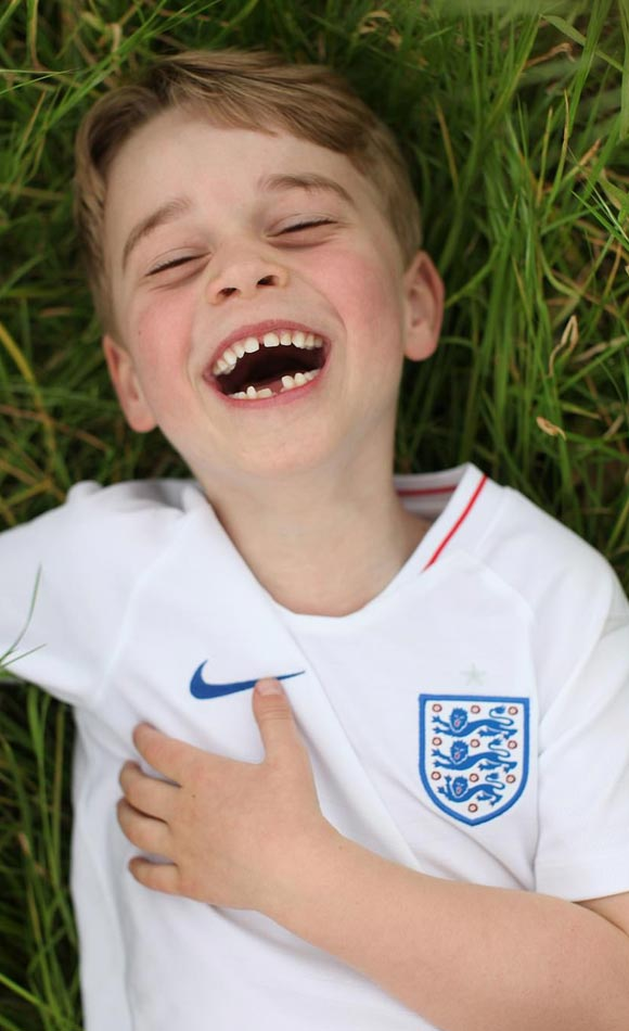Prince-George-england-football-shirt-sixth-birthday-july-22-2019-01