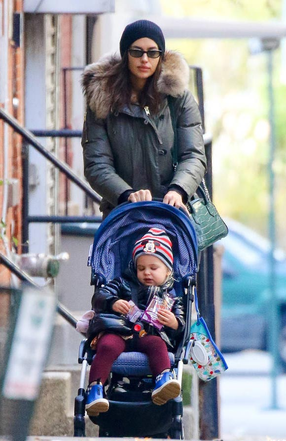 Irina-Shayk-daughter-nov-2019-02