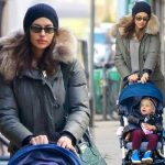 イリーナ・シェイク、娘レアちゃんをベビーカーに乗せてお散歩