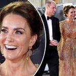 美しすぎる!キャサリン妃、オールゴールドでゴージャスなドレス姿披露