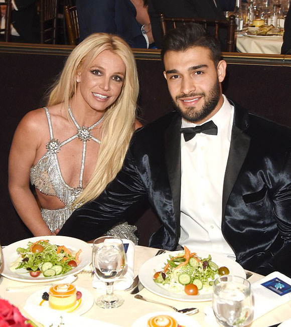 britney-spears-engaged-2021-03