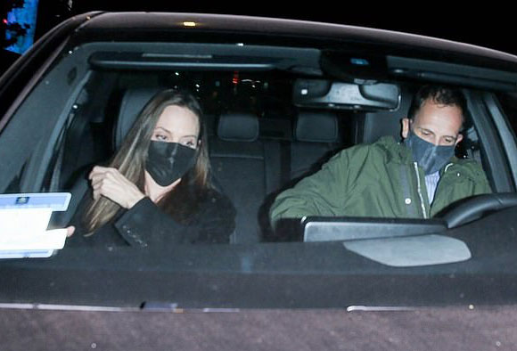 Angelina-Jolie-ex-husband-Jonny-Lee-Miller-oct-2021-01