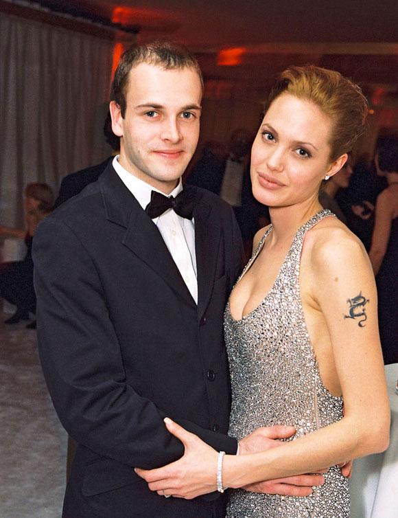 Angelina-Jolie-ex-husband-Jonny-Lee-Miller-oct-2021-04