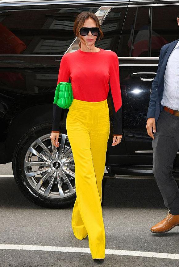 Victoria-Beckham-fashion-oct-2021-01