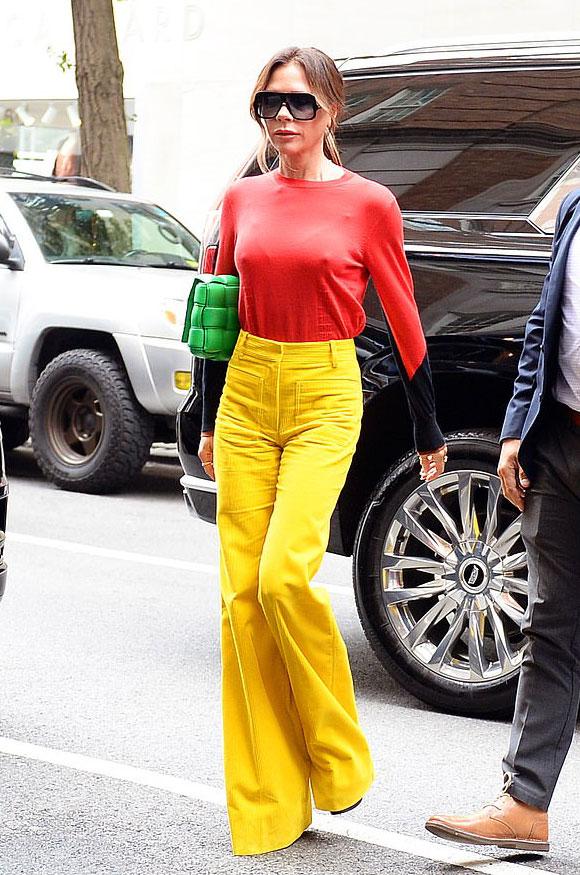Victoria-Beckham-fashion-oct-2021-02